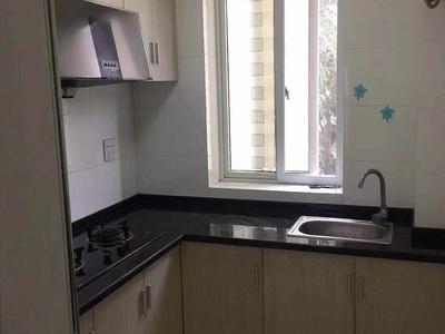 出售西白鱼潭1楼,40平方,精装,家具家电齐全,1500元