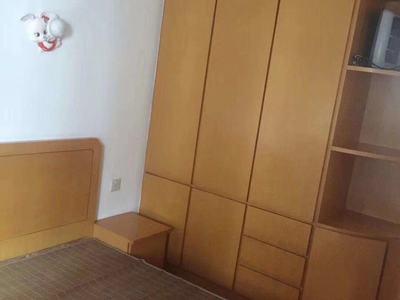 出租南白鱼潭4楼,60平方,车库独立,家电家具齐全,二室一厅
