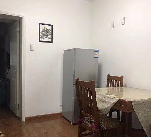 出租友谊新村1楼,50平方,一室一厅,精装,家电齐全,2200元