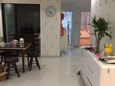 出售香格里多层3楼,113平方,三室二厅,自住精装,车位另售