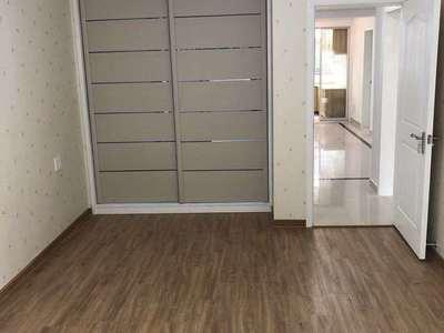 闻波小区 二室半 精装修 独立车库12平 阳光充足 有钥匙