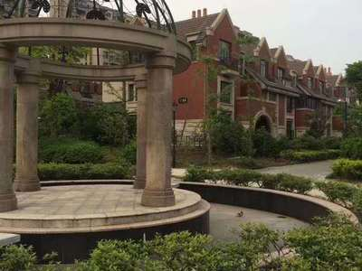 诺德上湖城景观房 335平方 自带3车位 超大花园1000多平 598万