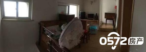 三合家园五楼带阁楼 100平 3室2厅 良好装修家 电齐全 拎包入住 2000元