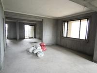 国贸仁皇二期9楼126平 4室2厅2卫 毛坯 边套 四阳台带车位一个总价195万