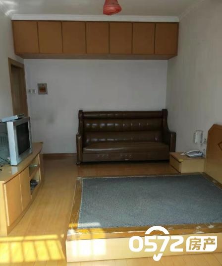 吉山新村2楼 52平 2室一厅 中装 家电齐全 1600元/月