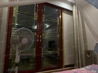 浮玉花园8楼138平方三室二厅一卫精装160万